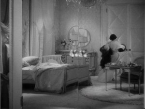 glamorous 1930s bedroom