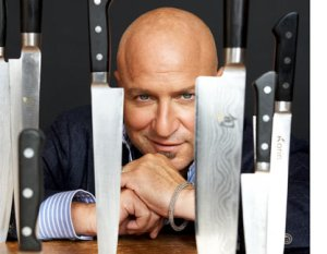 Tom Colicchio looking sexy with knives