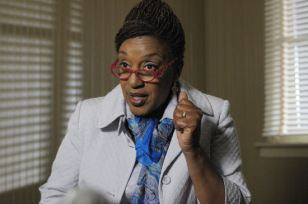 "WAREHOUSE 13 -- ""Pilot"" -- Pictured: CCH Pounder as Mrs. Frederic -- SCI FI Channel Phot"
