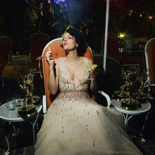 phoebe-waller-bridge-smoking-at-emmys-after-party-photo
